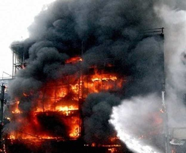 17 perish in Delhi hotel fire