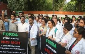 Doctors across India on day-long strike in solidarity with Kolkata medicos