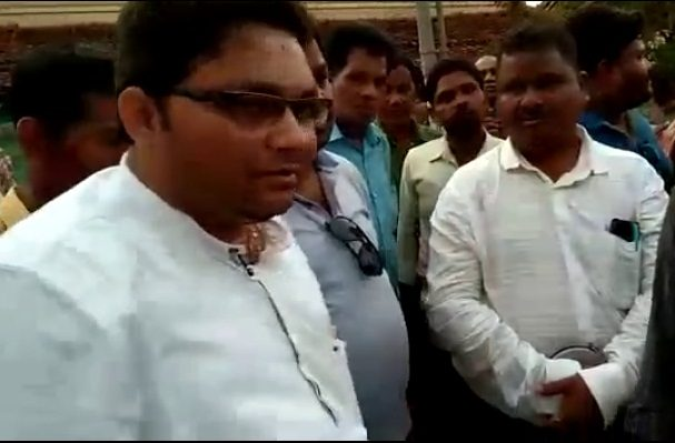 Patnagarh MLA Meher forces engineer to do sit-ups for poor road work