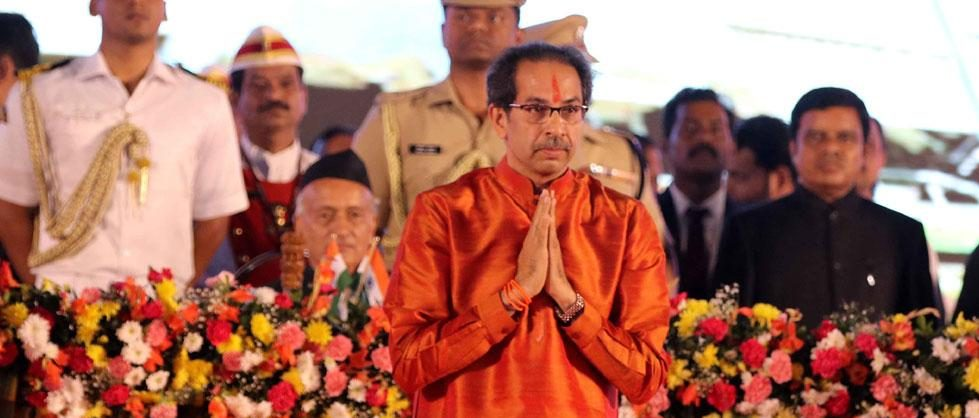 Uddhav takes oath as Maha CM, 6 ministers also sworn in