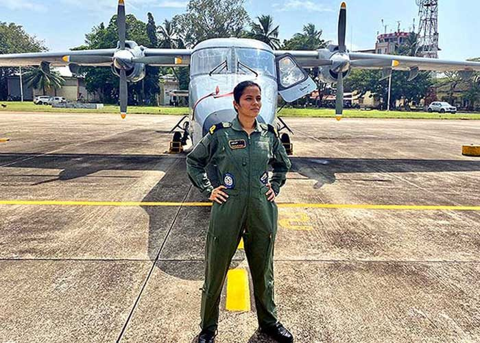 Navy's first woman pilot gets 'wings', Twitterati praise her