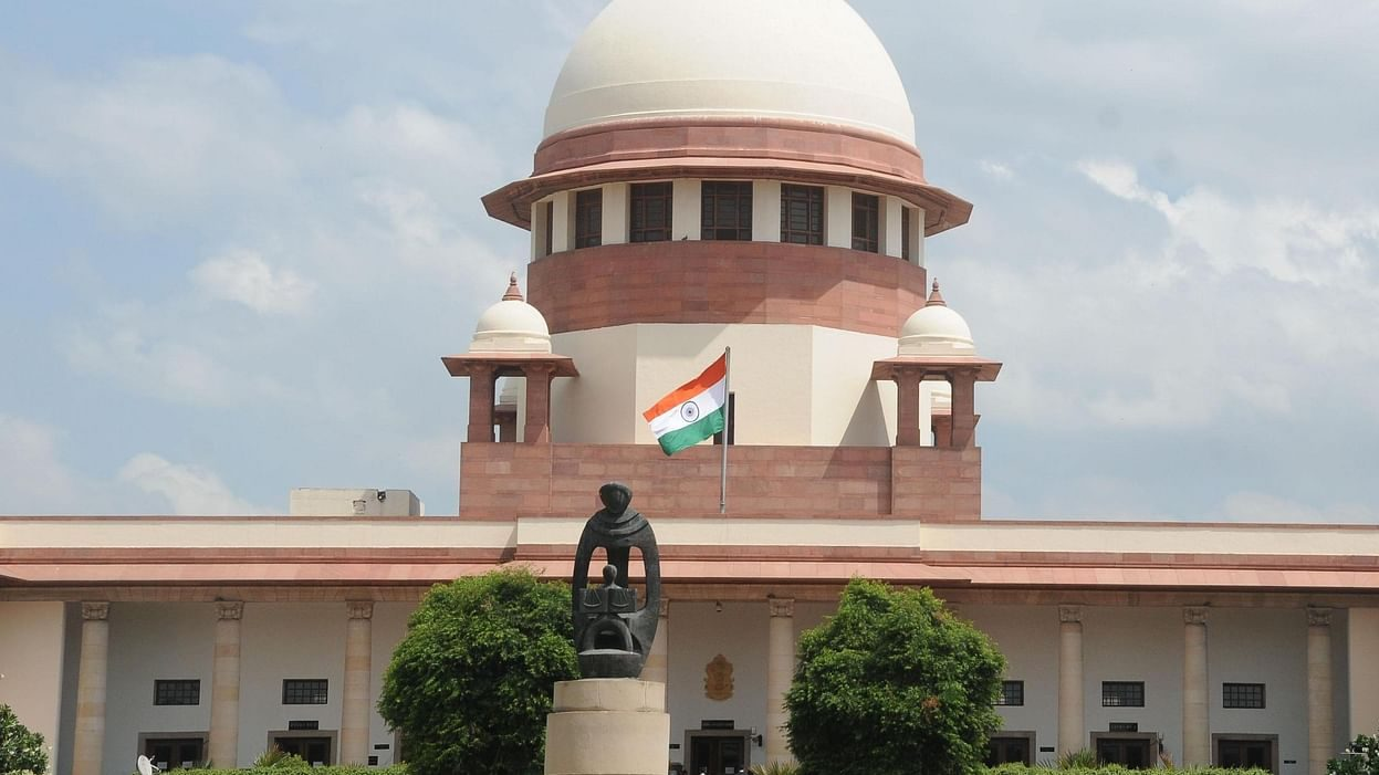 SC stays farm laws' implementation, sets up expert panel to resolve issue