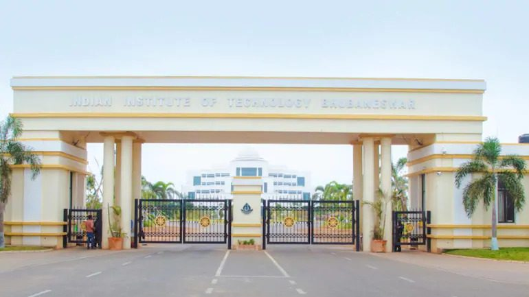 IIT-BBS postpones arrival of next batch students as 10 test Covid positive